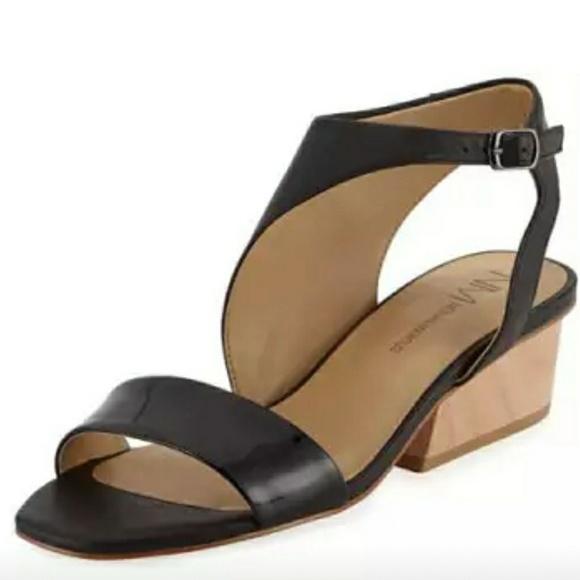 80e6b7688b7e3 Neiman Marcus Cale Black sandals.
